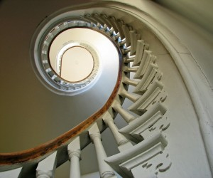 escalier en forme de cercle vertueux
